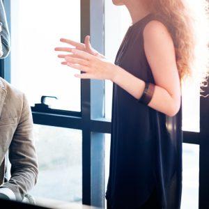 Proxemia y cronemia: diferenciando conceptos de comunicación no verbal